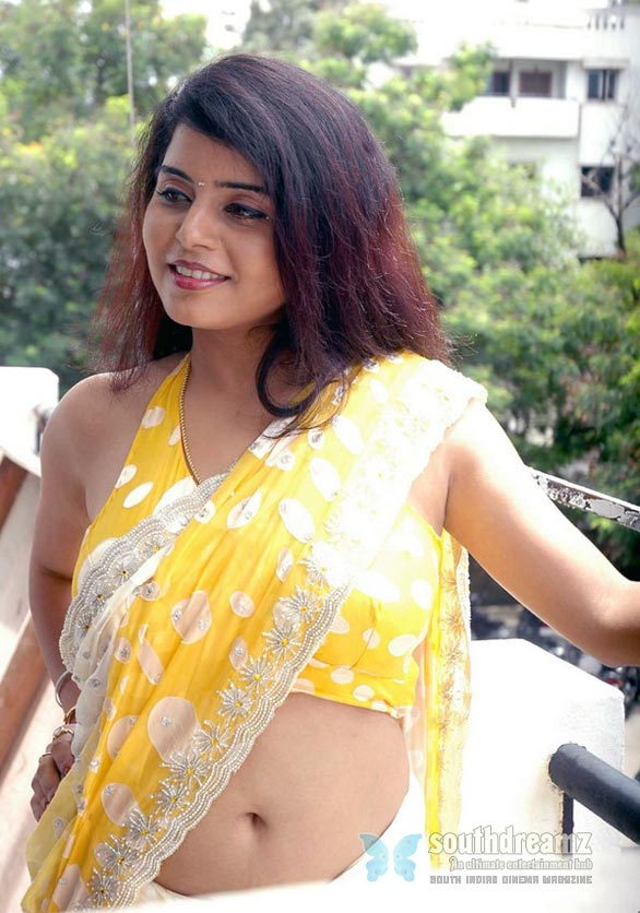 hot gujarati girls in saree