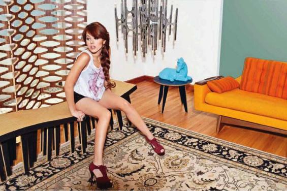 Danna Paola en revista para adultos Open