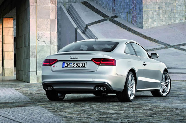 2012 Audi S5 Coupe Back Exterior