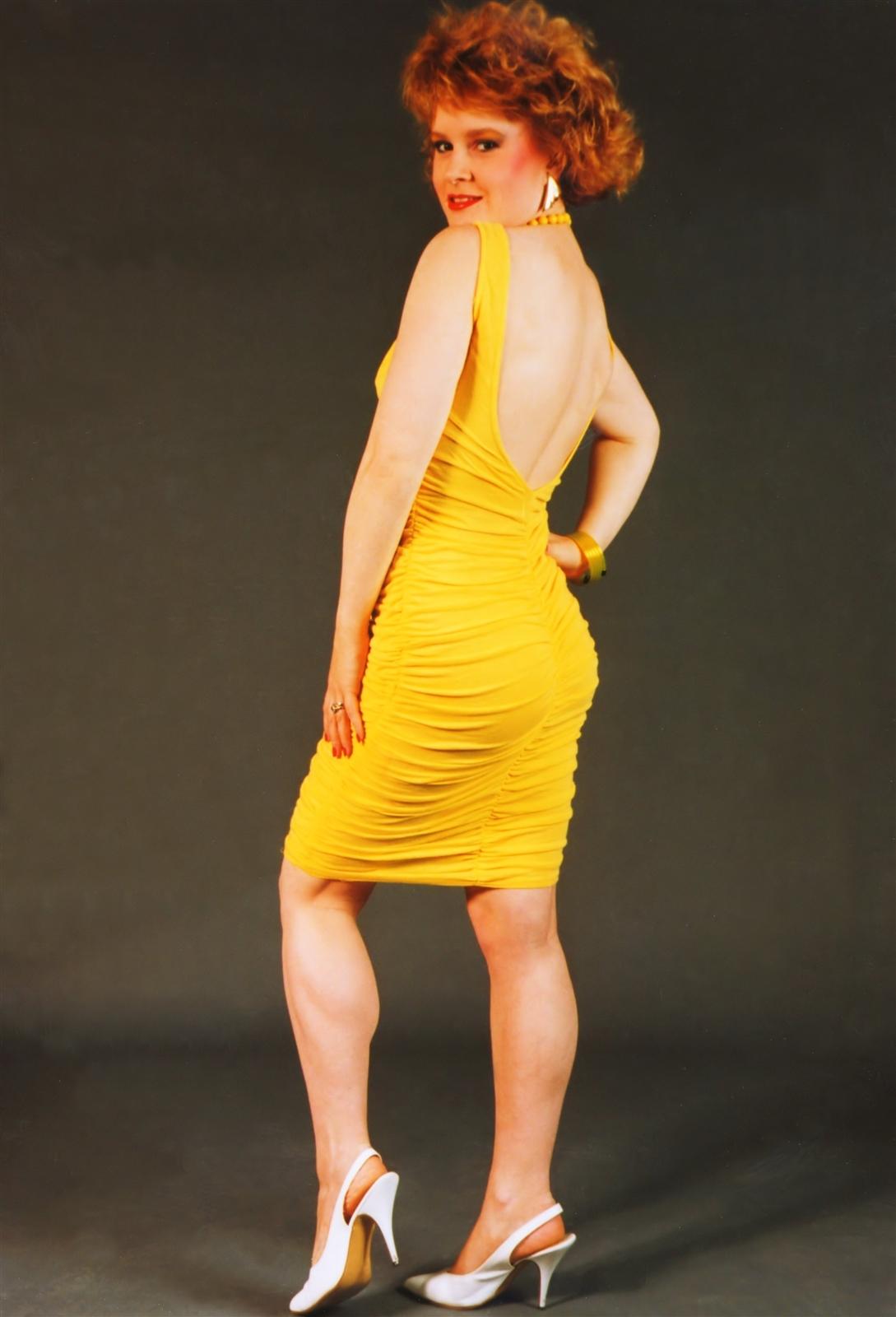 Her Calves Muscle Legs: Muscular Calves Ladies - set 2