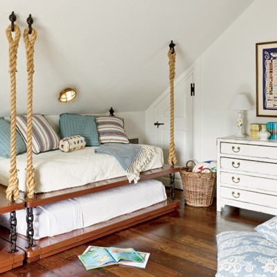 Coastal style 5 decorating tips for beach house style for Nautical rope decorating ideas