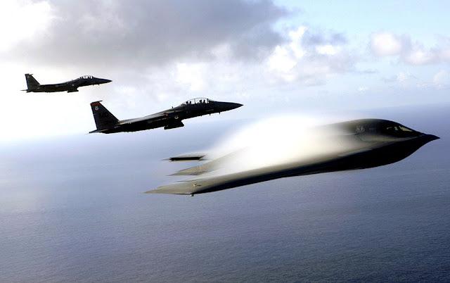 B-2 Spirit vapor trail