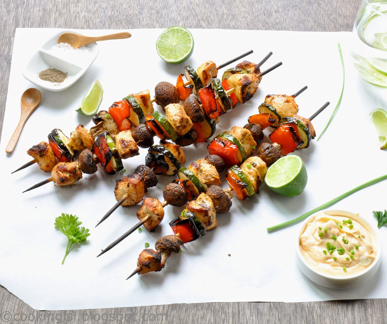 Chicken-zucchini-mushrooms-and-peppers-kabobs-kebabs-skewers-greek-marinated-bulgarian