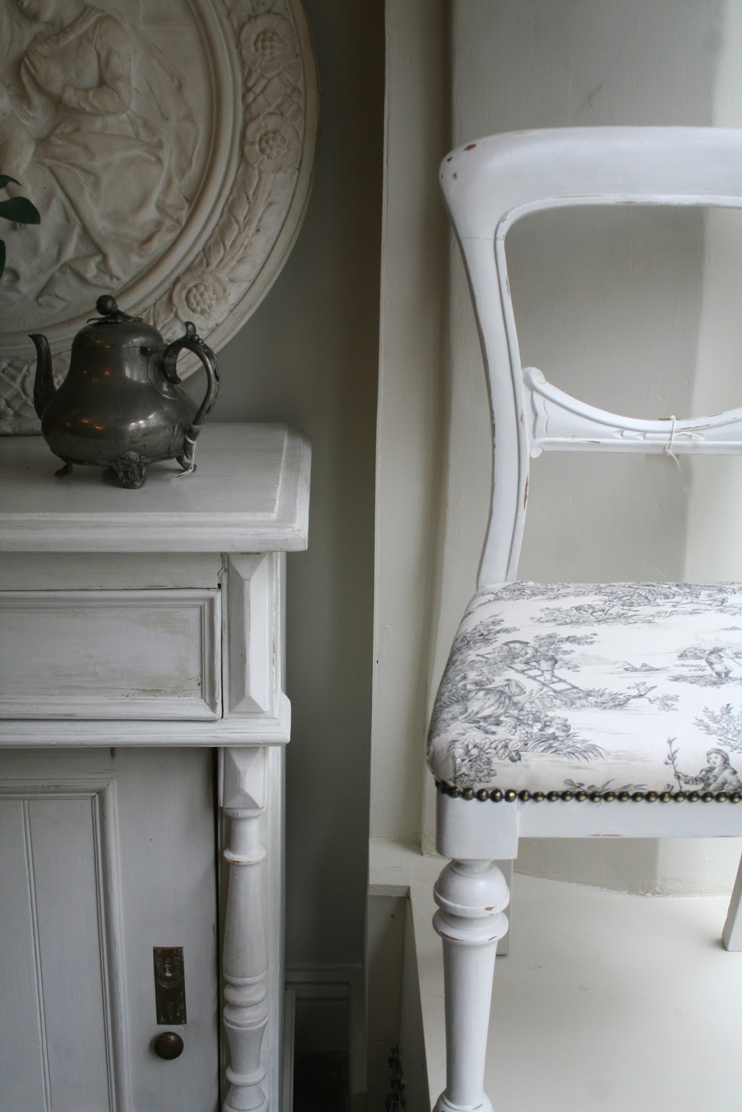 Neutral heaven interior design and mood creation grey toile de jouy Lime washed bedroom furniture