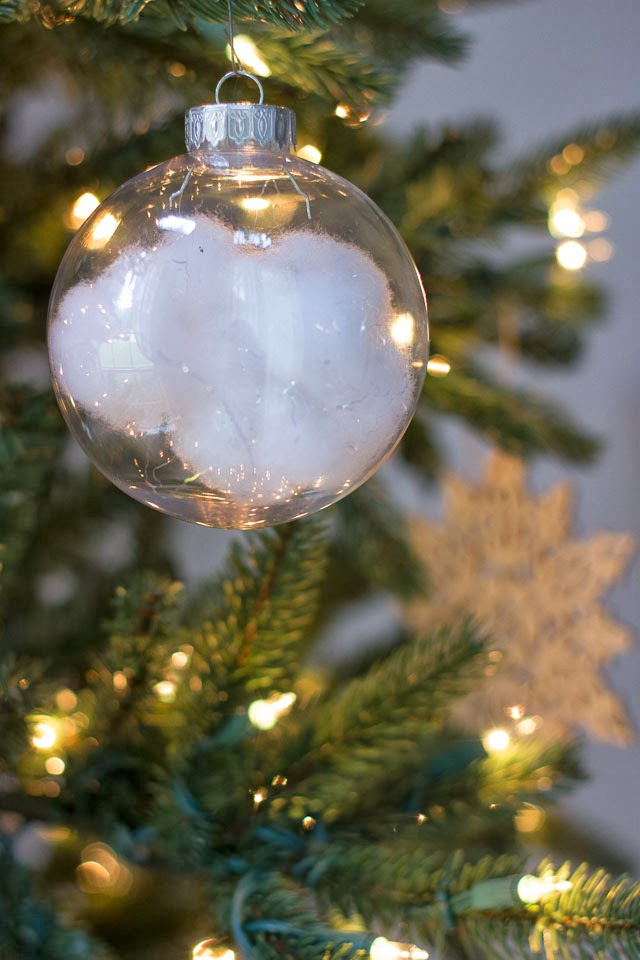 snow-ornaments
