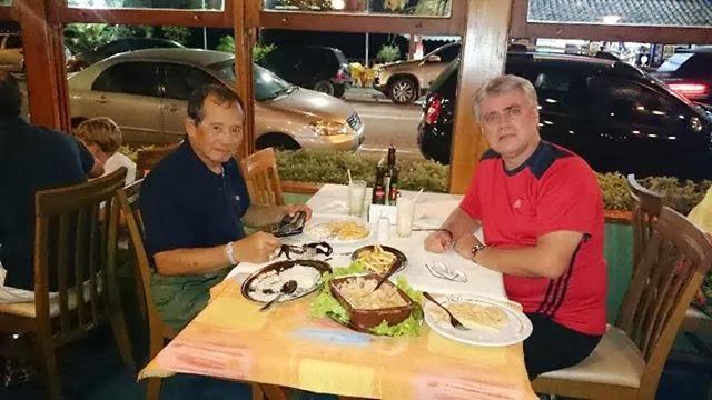 Moyses em jantar com Grand Tuhon Leo Gaje