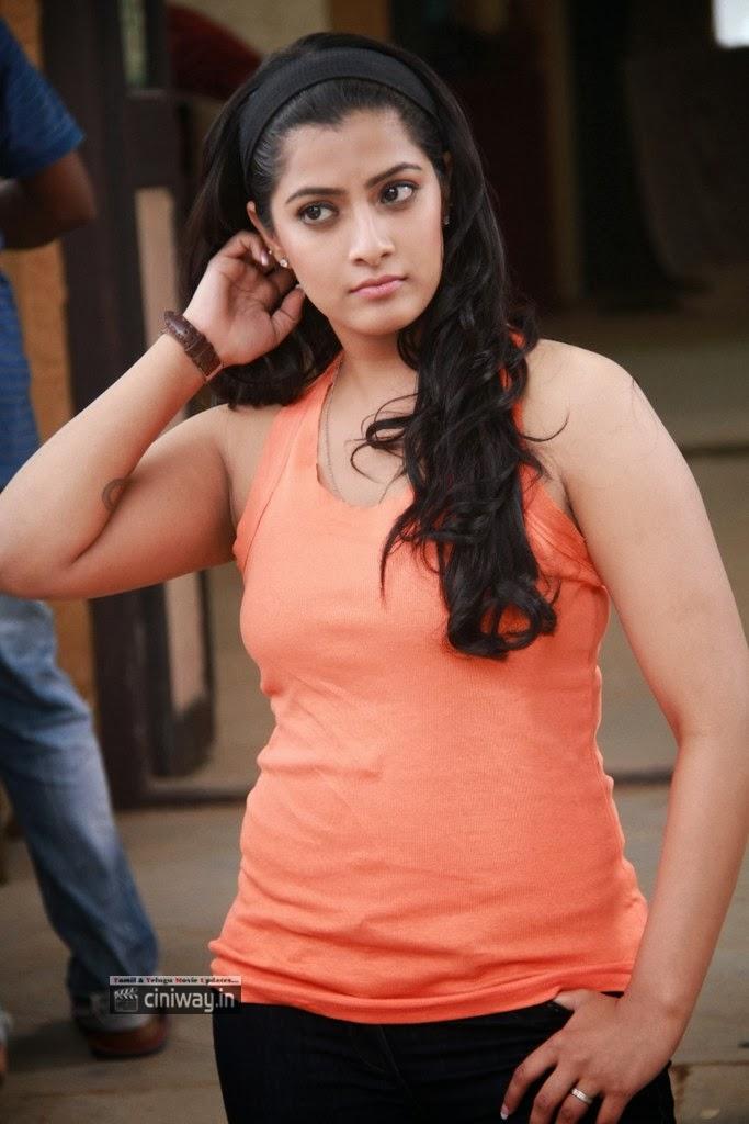 Madha Gaja Raja Actress Varalakshmi Stills