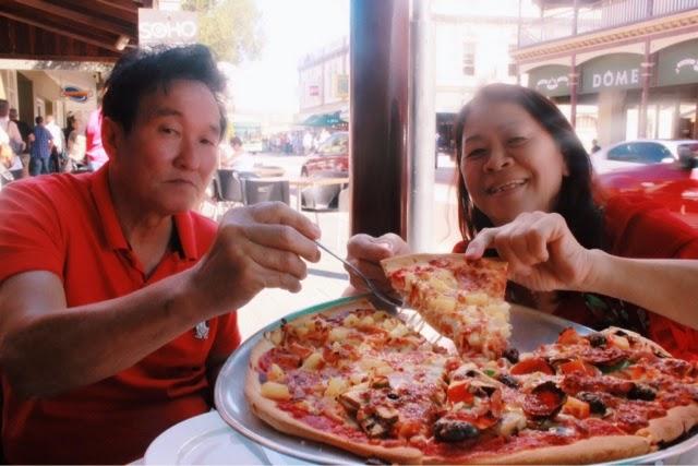 Mexican Pizza & Hawaiian Pizza, Pizza Bella Roma Restaurant @ Fremantle, Perth, Western Australia 澳洲, 澳大利亚, 珀斯