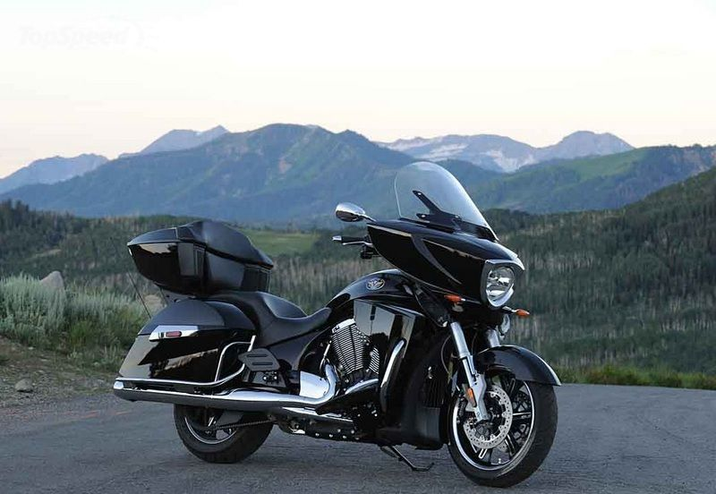 2013 Victory Cross Roads Classic 1st Ride  Motorcycle USA