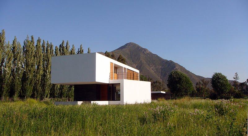 casa minimalista y abierta al paisaje proyectada por oda