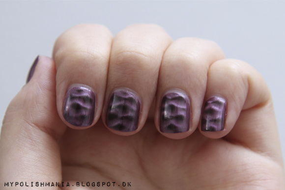 Pieces Magnetic Nail Polish: Winter Purple
