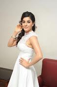 Isha Talwar Glamorous photos-thumbnail-12
