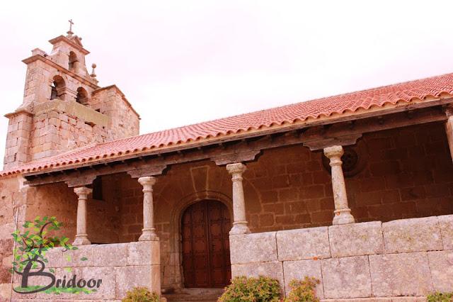 Puerta de madera Iglesia Cabeza de Framontanos