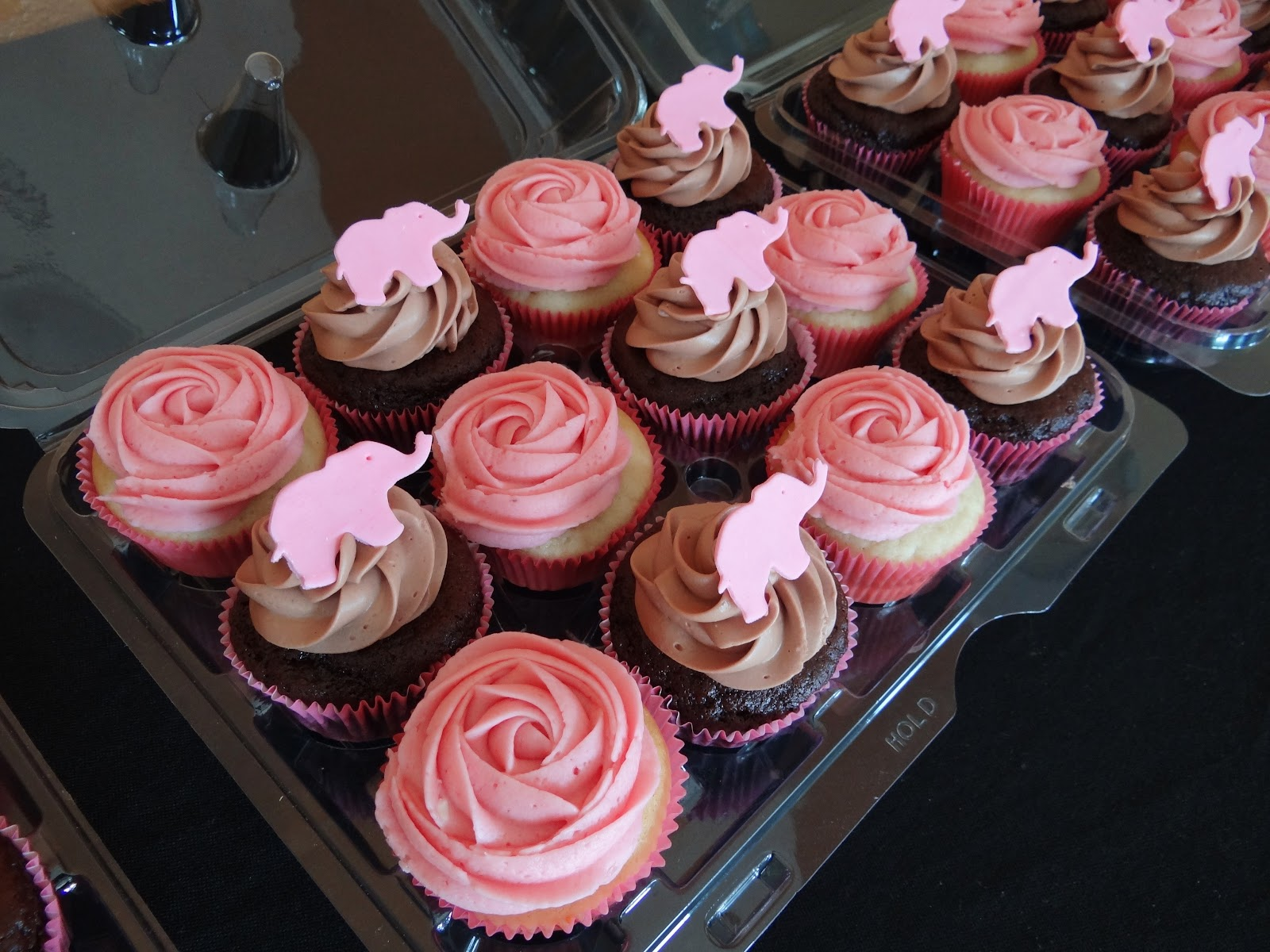 Libby\'s Cupcakes Etc: Pink Elephant Baby Shower Cupcakes