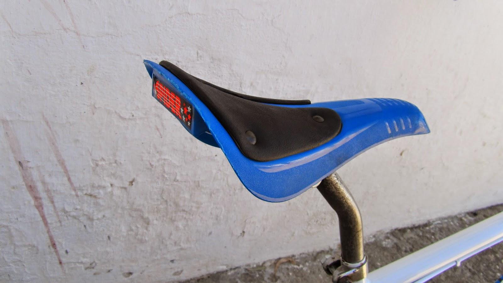 sillin spider azul