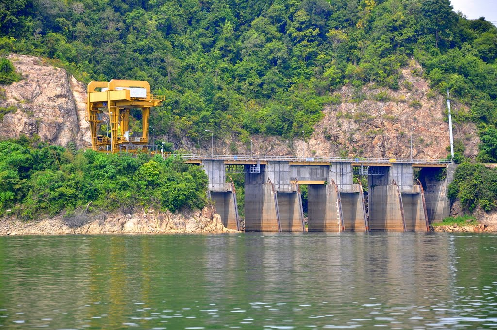 hydro electric in malaysia Hydroelectric energy advantages and disadvantages abhishek shah for paraguay 100% of the electricity comes from hydro power and lot of it is exported as.