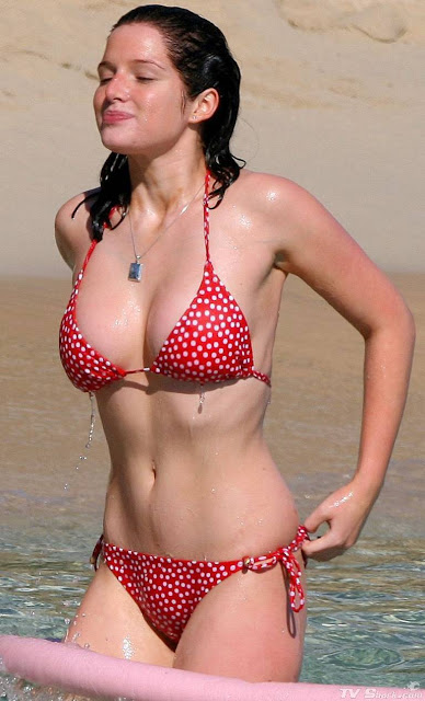Helen Flanagan Sexy in Bikini