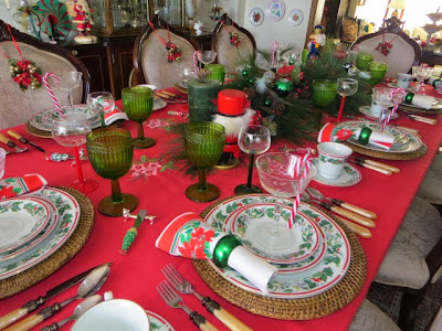 gorgeous Christmas tablecape