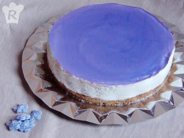 Tarta mousse de caramelos de violetas