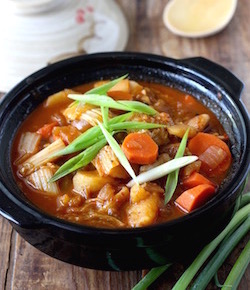 spicy korean chicken stew recipe by seasonwithspice.com