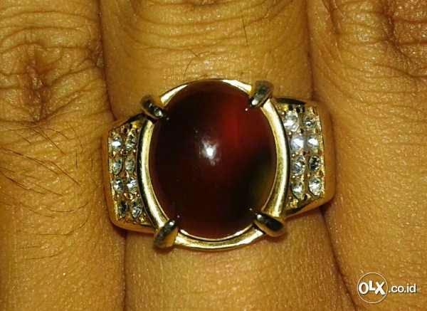 Jenis cincin batu merah delima asli, merah darah