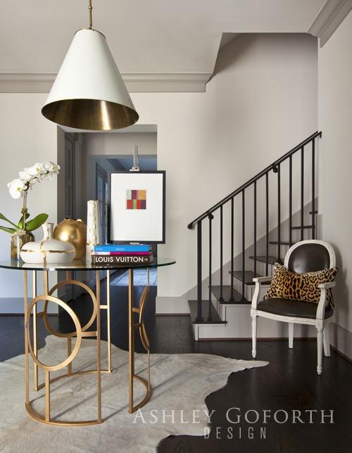 Foyer Table Ashley Furniture : Blanco interiores entre o cinza e toupeira between