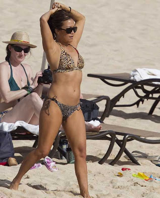 Carrie Ann Inaba stripped down to a sexy leopard print bikini ...