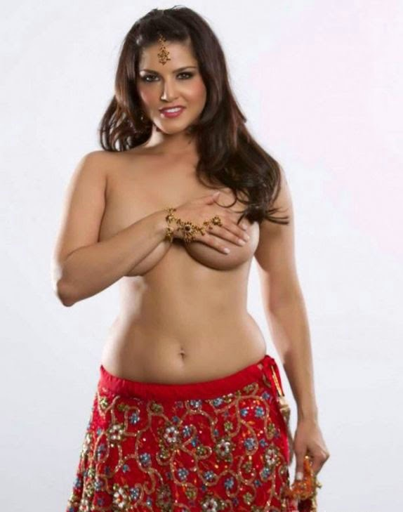 Sunny leone in ghagra goes topless hot nude real life private parts exposed naked bollywood actress pics hiding her nipples big boobs exposed wardrobe malfunction sunny leone