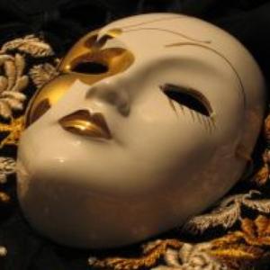 Essere se stessi significa gettare la maschera, come questa
