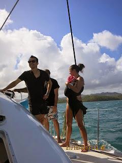 voyage vacances ferias poussette carrinho aproveitar praia mar portage babywearing viagem barco