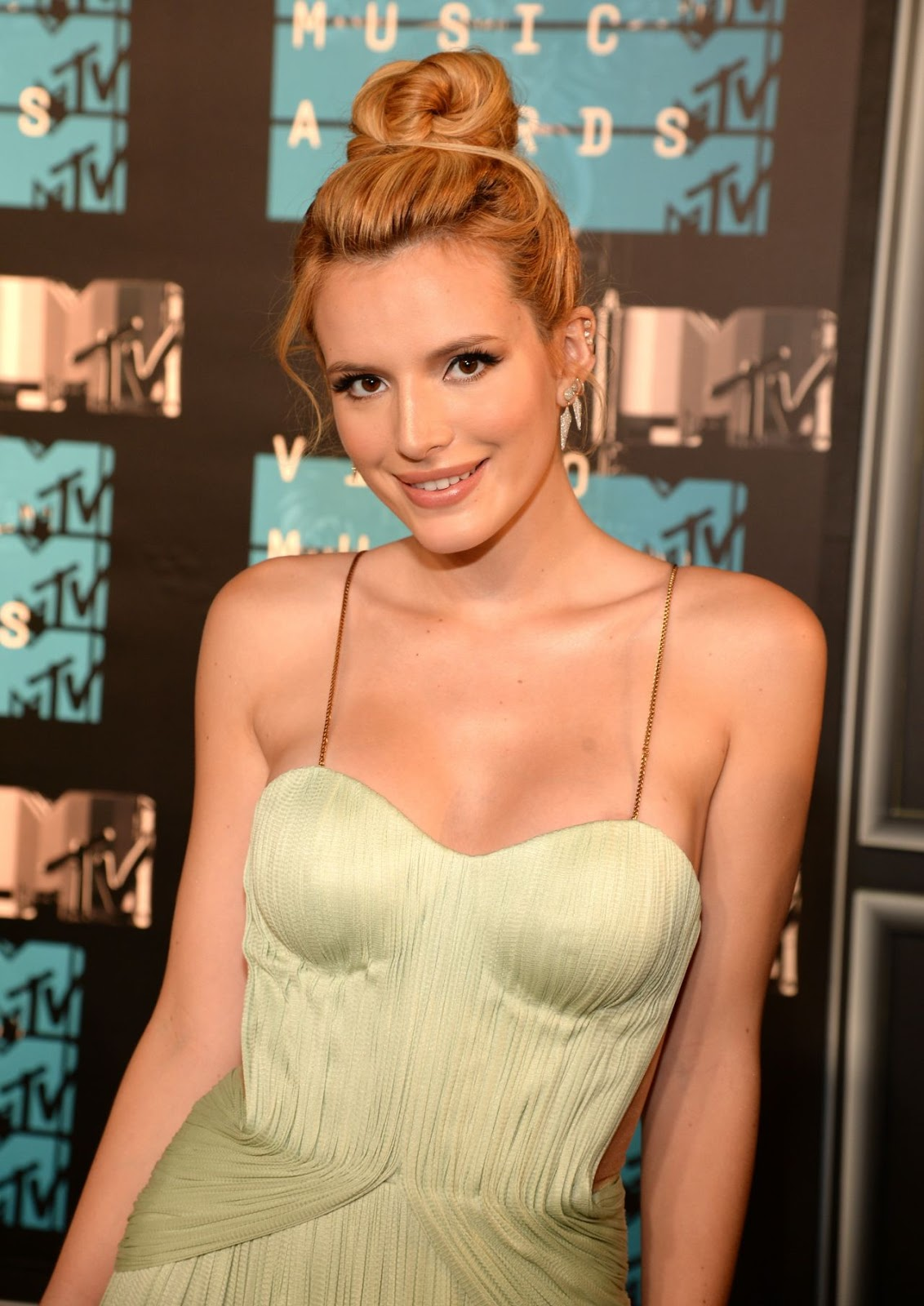 Bella Thorne – 2015 MTV Video Music Awards in Los Angeles