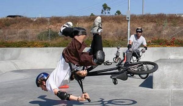 Caida con BMX de cabeza