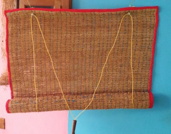 mat warp mats the gaatha craft popularly these woven used yarn handicrafts are of a bamboo split window blinds dyed in weft tripura as finely and red very cotton work table