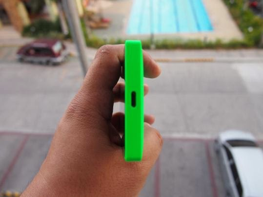 Nokia X Unboxing, Preview And Initial Impression Bottom