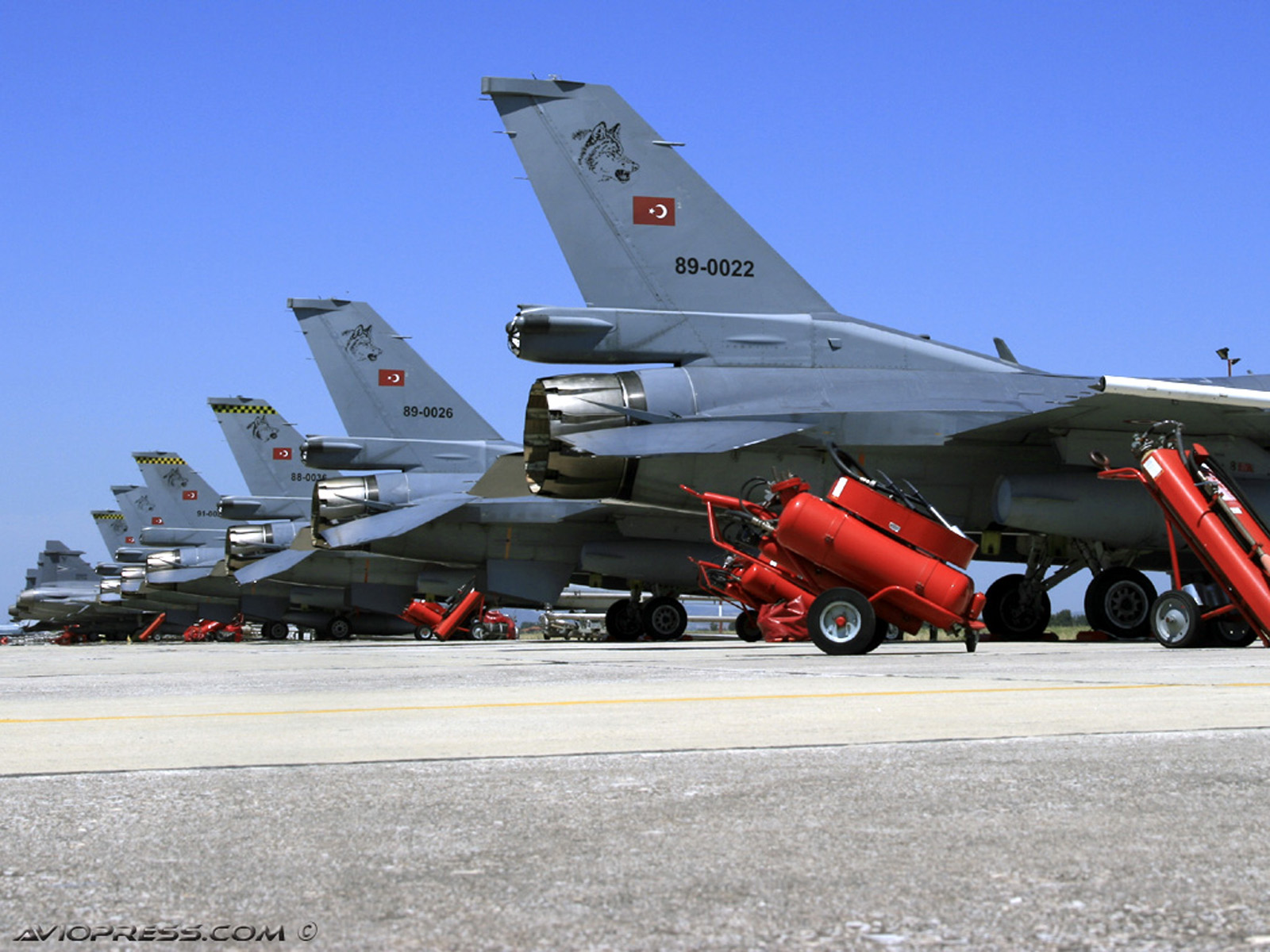 http://3.bp.blogspot.com/-VoY9H5EGkmQ/TiYGzjXJJHI/AAAAAAAAAig/RwYqnbFraiw/s1600/f-16-turkish.jpg
