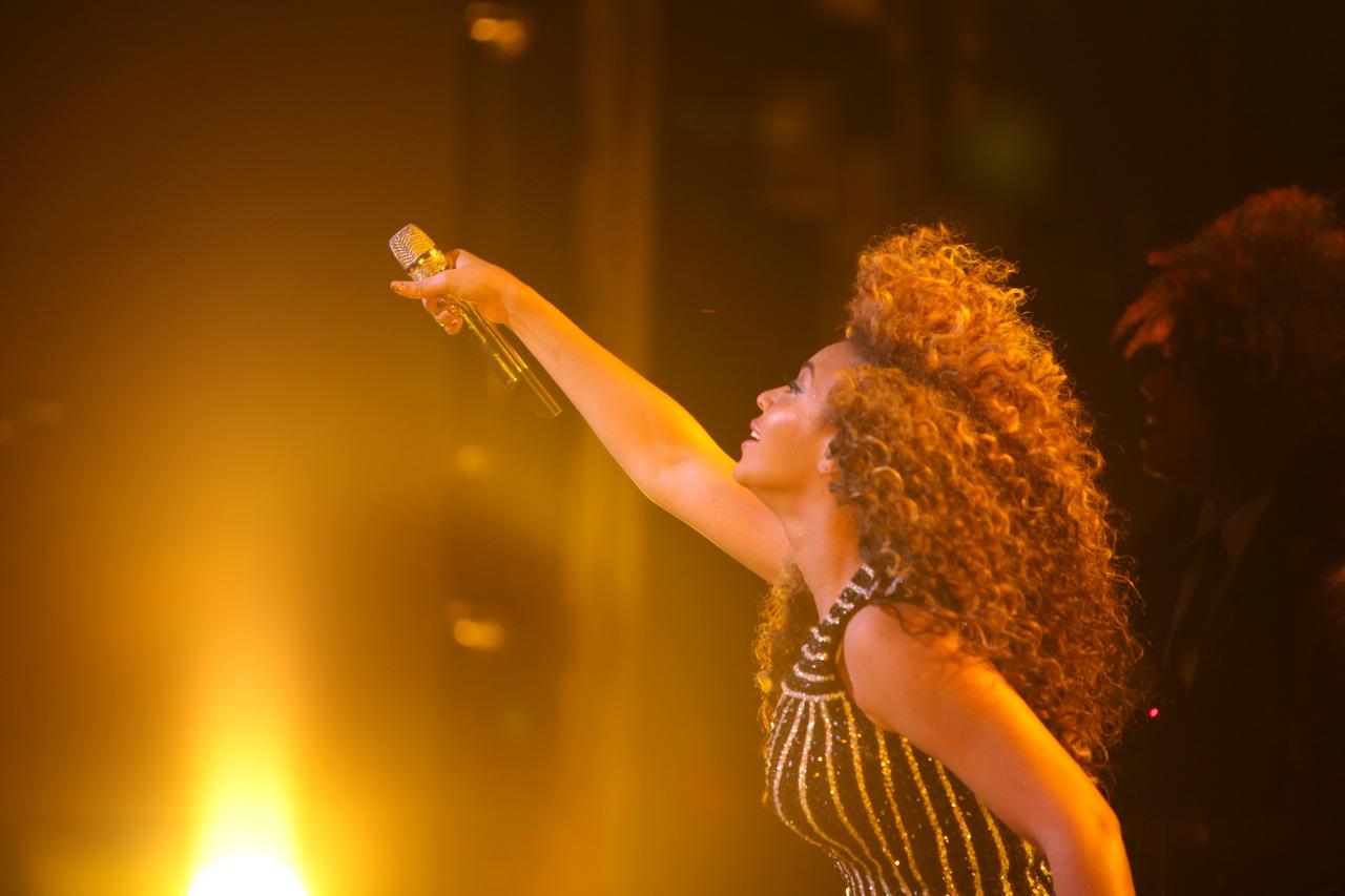 http://3.bp.blogspot.com/-Vob-A3gJ8-A/UOgv0H8L2XI/AAAAAAAAAIQ/um8i56qNF4w/s1600/Beyonce.jpg