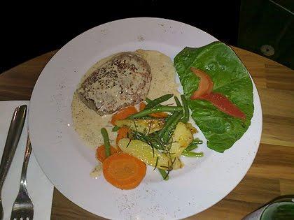 Steak mit Gorgonzolasosse bei Da Franco im Wandsbeker Quarree