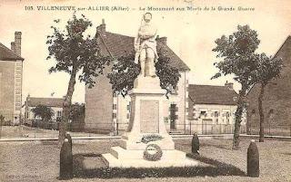 CPA monuments aux Morts de l'Allier, Villeneuve sur Allier