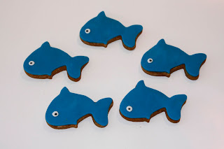 5 Blue whale biscuits