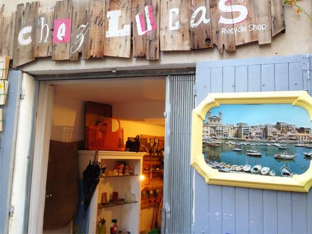 Quartier le Panier - Marseille boutique deco vintage Chez Lucas ©lovmint