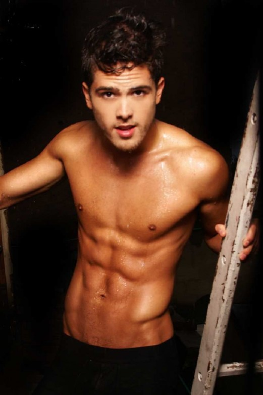 Naked Men: Andres Mercado Ashton Kutcher