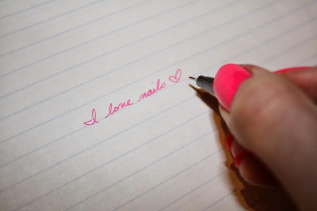 I love nails pink