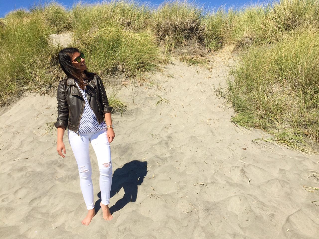 ootd, fashion blogger, fblogger, portland blogger, style blogger, white jeans, wonder wall wednesday, black booties, black and white chiffon blouse, astoria beach, lewis and clark, thirty bucks