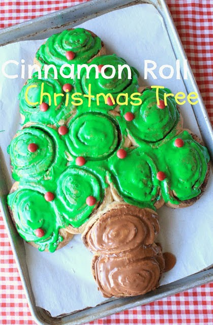 Cinnamon Roll Christmas Tree, Munchkin Munchies