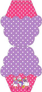 Tarjeta de Daisy con forma de cupcake.