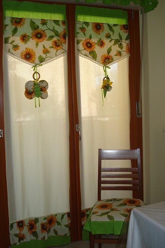 Mani di farfalla la mia cucina in versione estiva for Tendine country per cucina