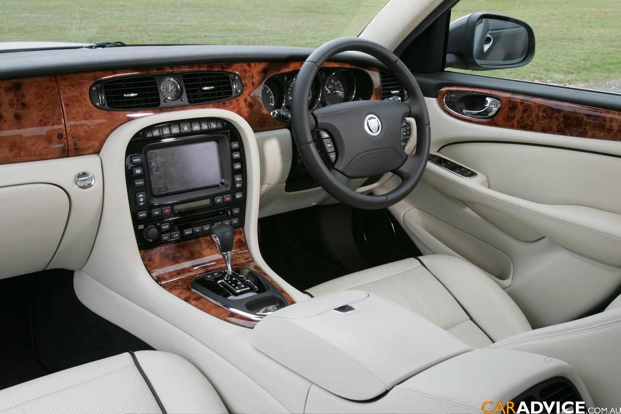 fast cars online jaguar xjs interior. Black Bedroom Furniture Sets. Home Design Ideas