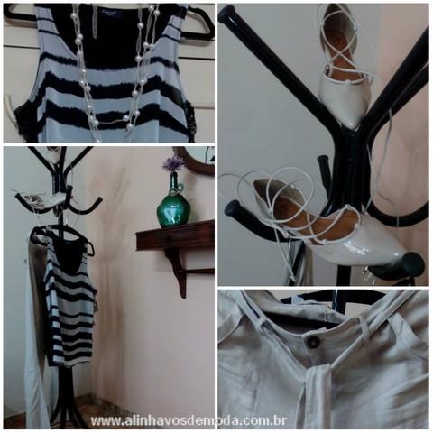 Combinei o colar de pérolas que eu fiz com calça de linho clara, regata listrada preto/branco  e sapatilha nude.