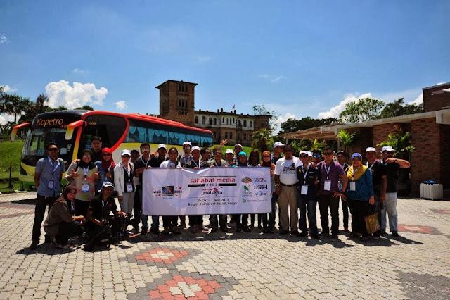 Gambar Kumpulan Sahabat Media CC1M di Belum Rainforest