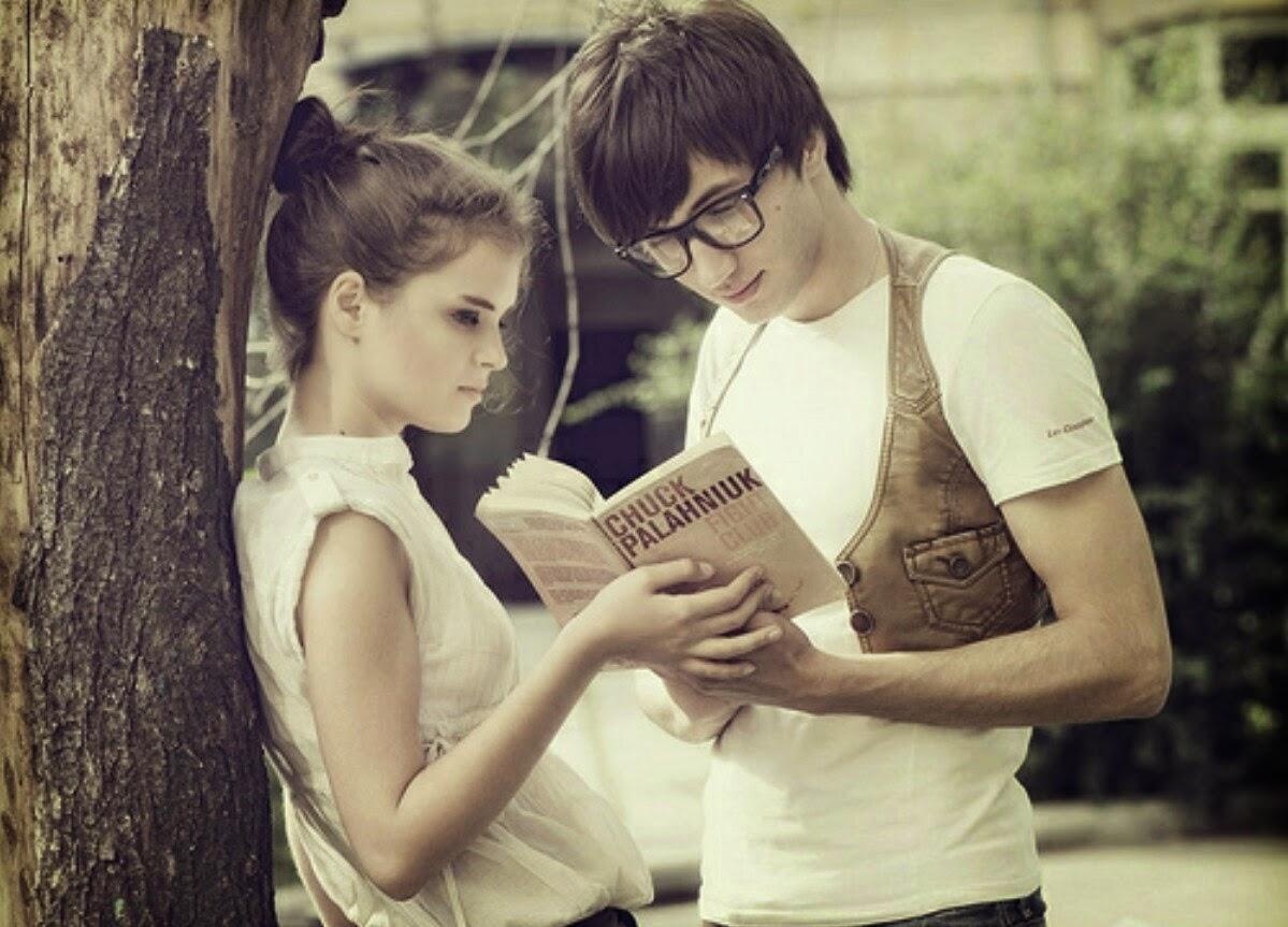 Фото мальчика и девушка, Boy And Girl Love Фото со стоков и изображения 1 фотография